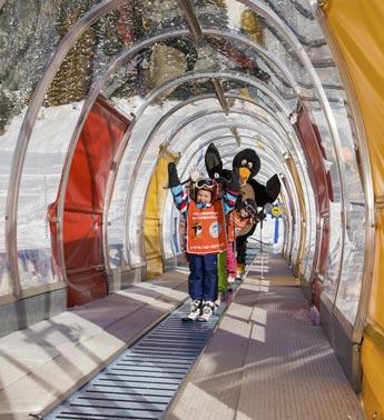 Skischule Top Alpin Walchhofer - Spiel und Spaß mit Pinguin Bobo